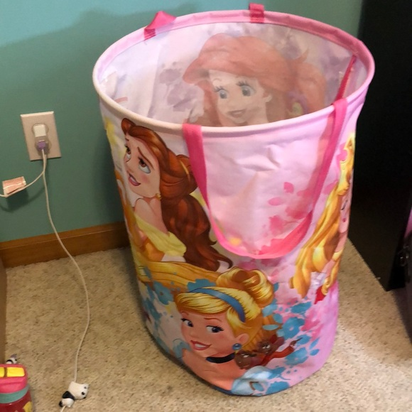 Disney collapsible large sturdy hamper Like New!